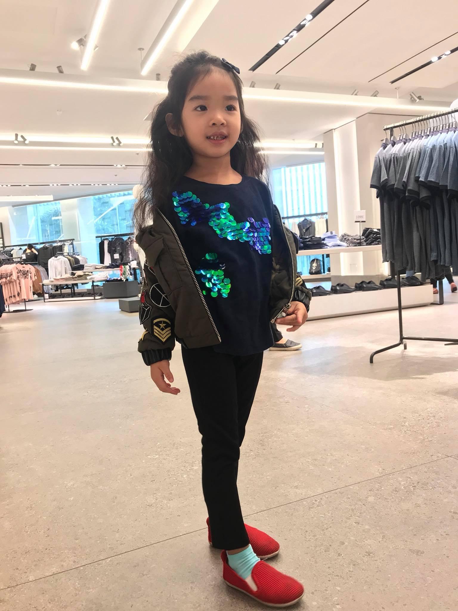 Mới 5 tuổi, bé Thỏ nhà siêu mẫu Xuân Lan đã bộc lộ tố chất người mẫu-4