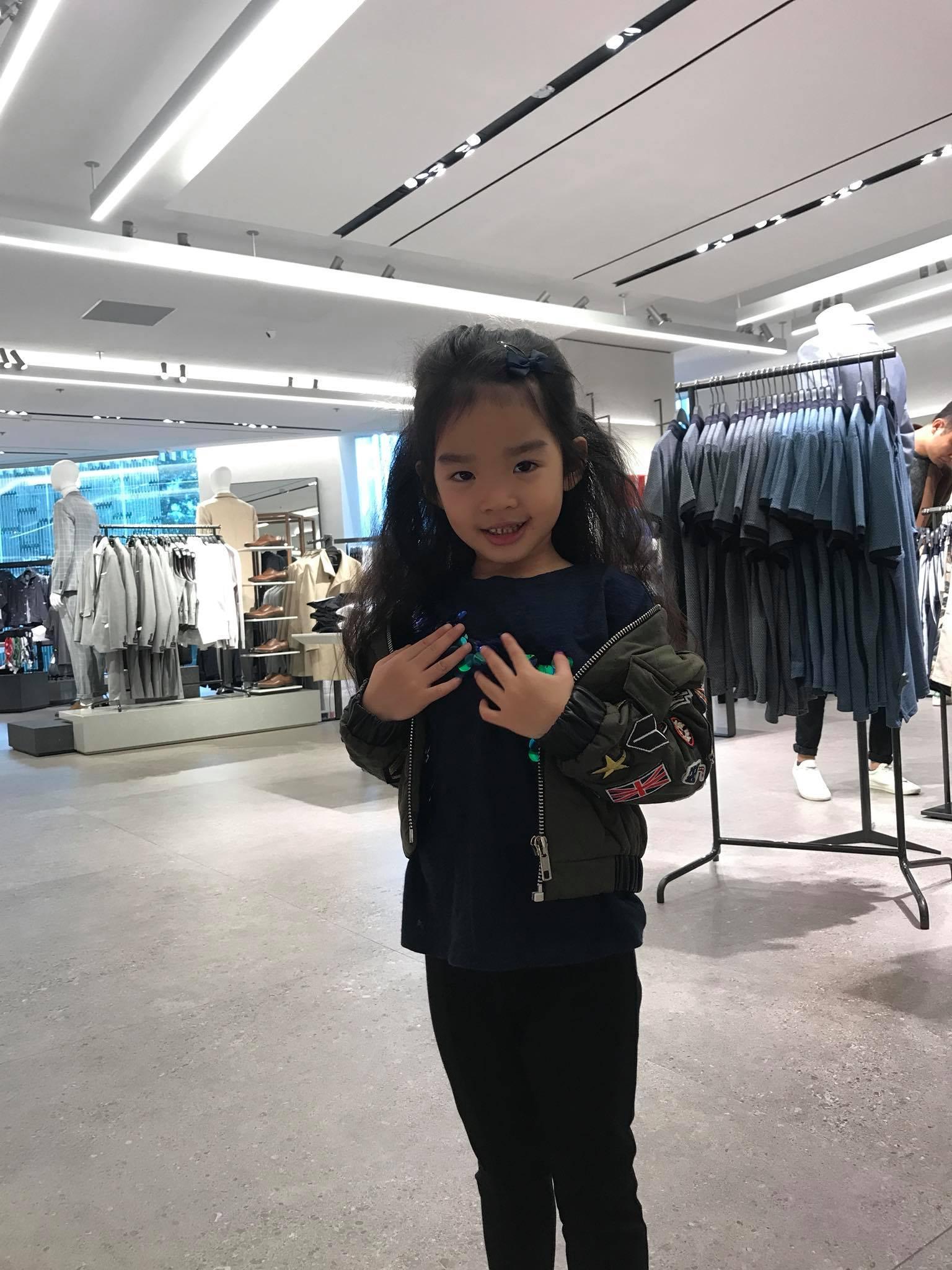 Mới 5 tuổi, bé Thỏ nhà siêu mẫu Xuân Lan đã bộc lộ tố chất người mẫu-1