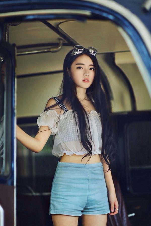 7 hot girl sinh năm 1994 nổi tiếng trên mạng xã hội Trung Quốc-7