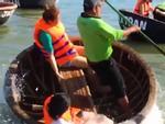 Thuyền thúng Việt Nam khiến khách Tây ngỡ ngàng