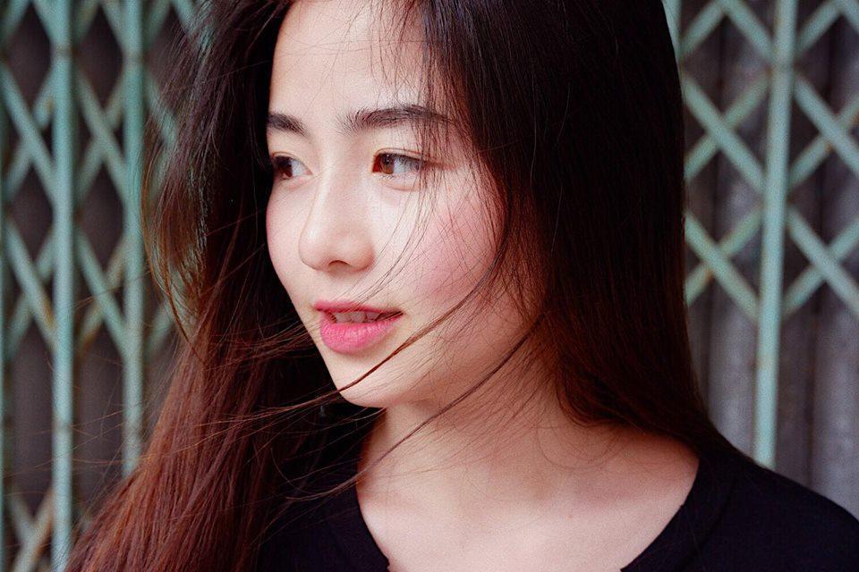 Hot girl - hot boy Việt: Khánh Vy tiết lộ bí mật về clip cover bằng tiếng Anh 6 năm trước-6