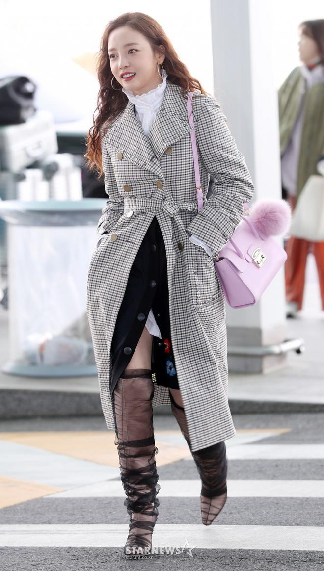 Goo Hara lên đường tham dự tuần lễ thời trang Milan, nhưng đôi giày nhìn như cây giò lụa của cô nàng mới là trung tâm bàn tán-3