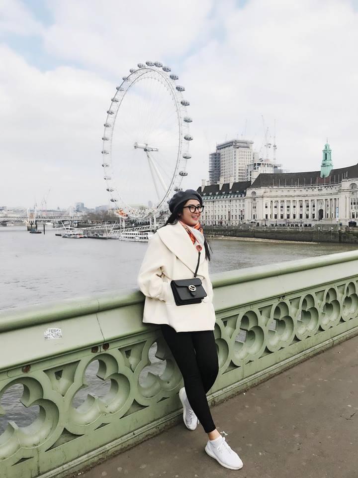 Tin sao Việt: Tăng Thanh Hà hạnh phúc trong vòng tay ông xã xuất ngoại du xuân-6