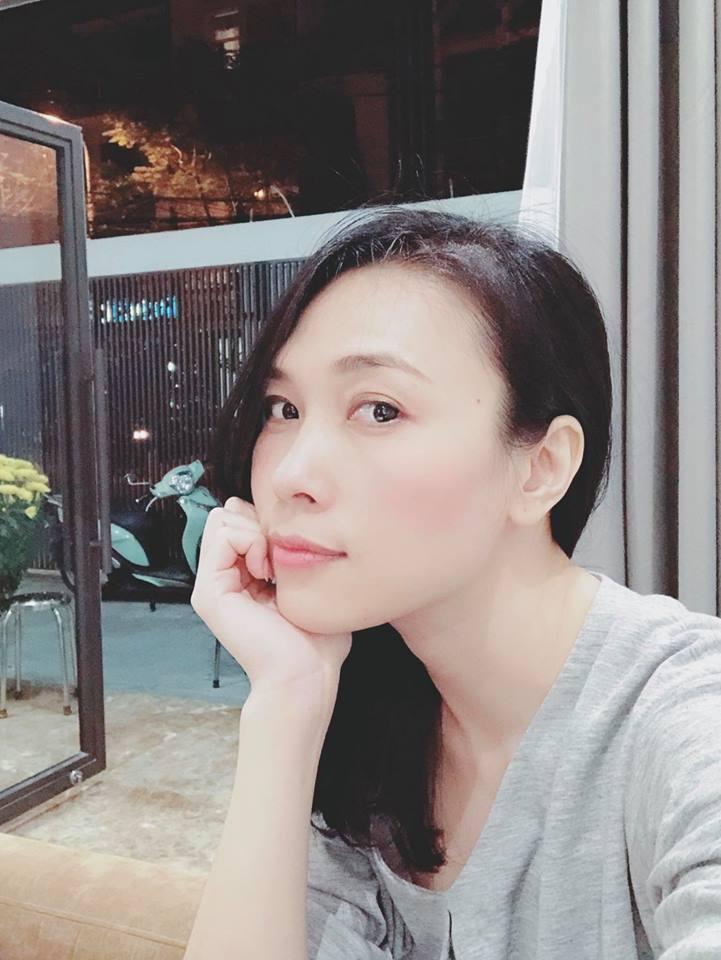 Tin sao Việt: Tăng Thanh Hà hạnh phúc trong vòng tay ông xã xuất ngoại du xuân-9