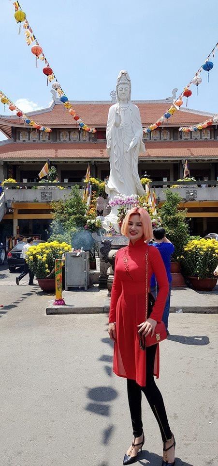 Tin sao Việt: Tăng Thanh Hà hạnh phúc trong vòng tay ông xã xuất ngoại du xuân-10