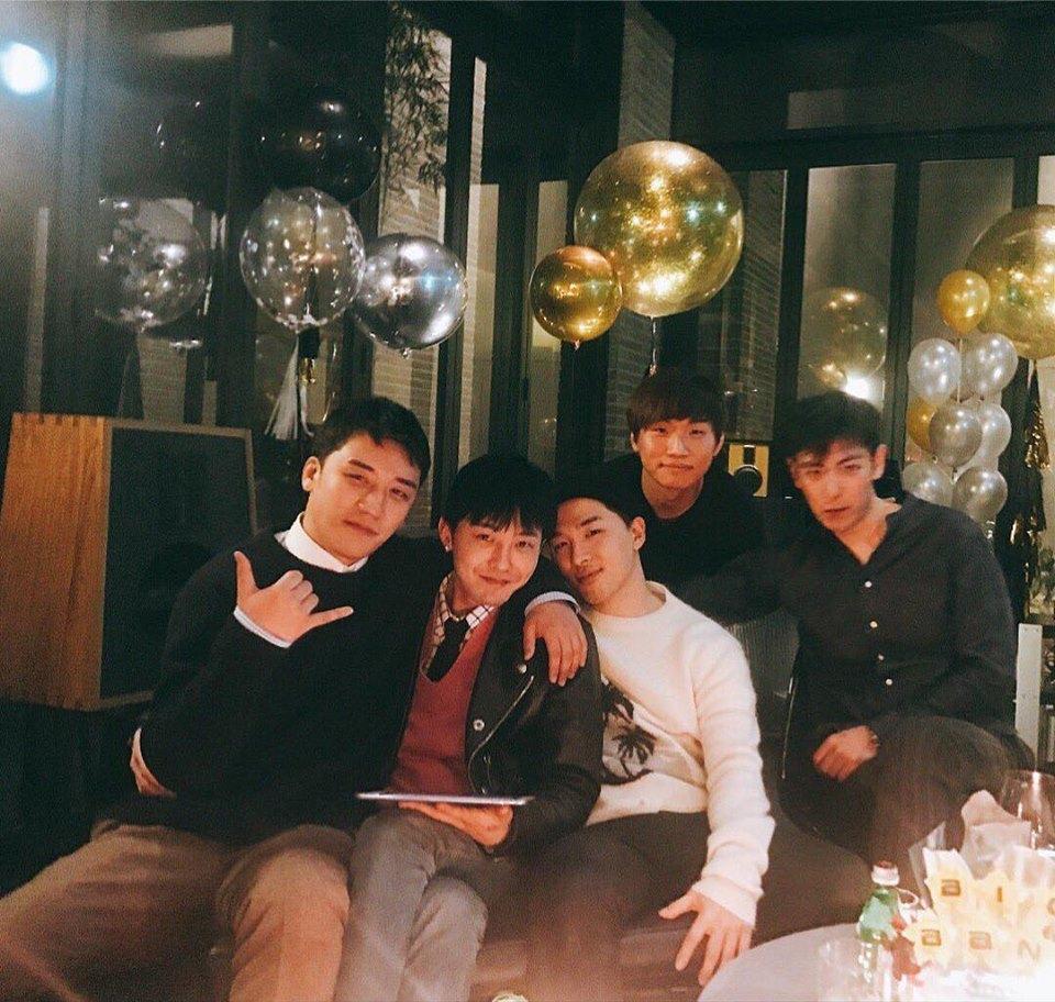 Sao Hàn 23/2: Park Bo Young đốn tim với vẻ ngoài ngọt ngào, rạng rỡ-6