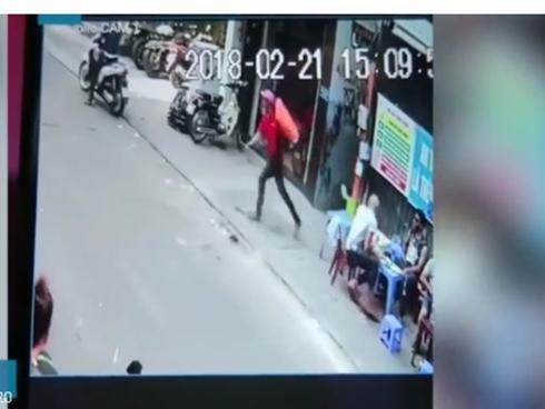 Việt kiều Đức không thể về nước vì bị giật túi xách ở phố Tây