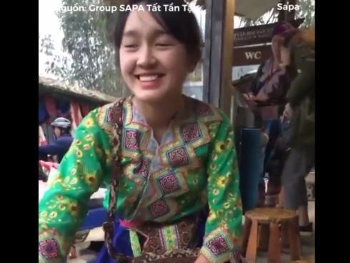 Clip thiếu nữ bán cơm lam 'đốn tim' với vẻ ngoài trong sáng