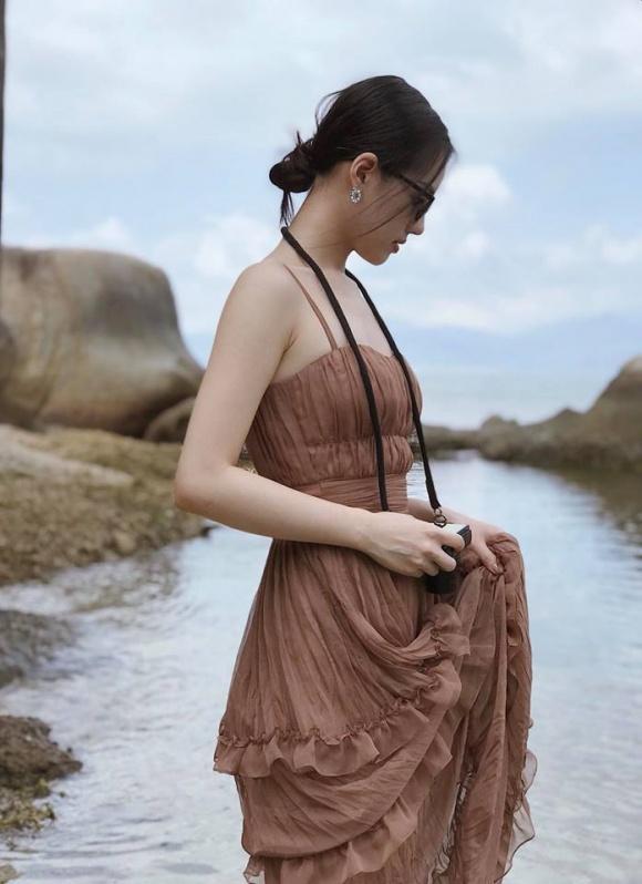 Hot girl - hot boy Việt: Kiều Trinh đốt mắt người xem chỉ với 22 giây diện bikini-2