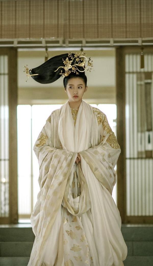 Ngày đầu năm, phim cổ trang gây tranh cãi của Vu Chính đã vướng ồn ào kiện tụng-3