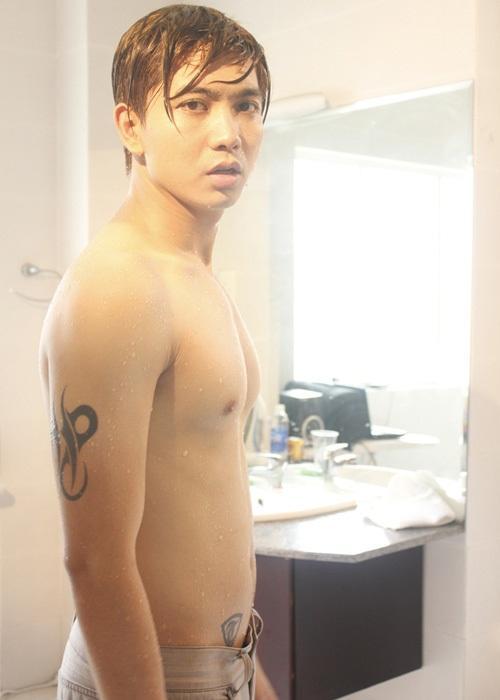 Fans hoang mang vì xuất hiện ảnh Nude 100% được cho là của ca sĩ Tim-2