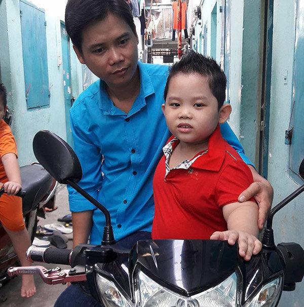 Thần đồng bolero 7 tuổi khiến MC Quyền Linh nổi da gà khi hát Tình cha-2
