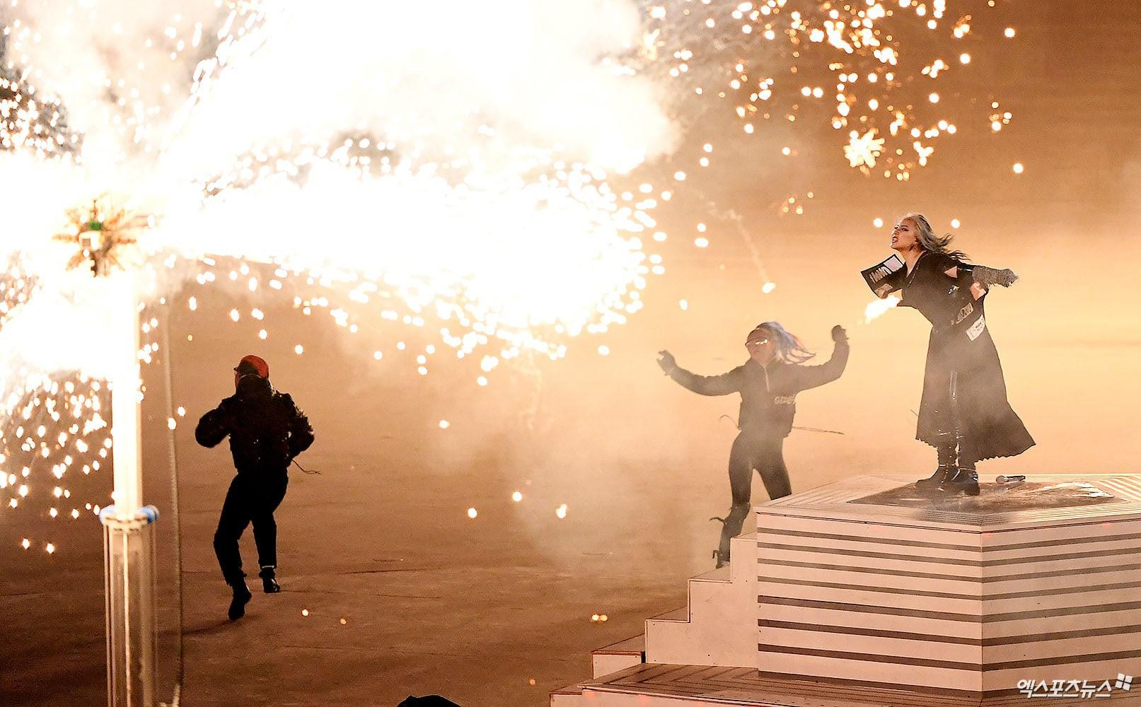 Bế mạc Thế vận hội: EXO bị nghi hát nhép, CL bị chê như mụ phù thủy, netizen gọi tên PSY và BTS-2