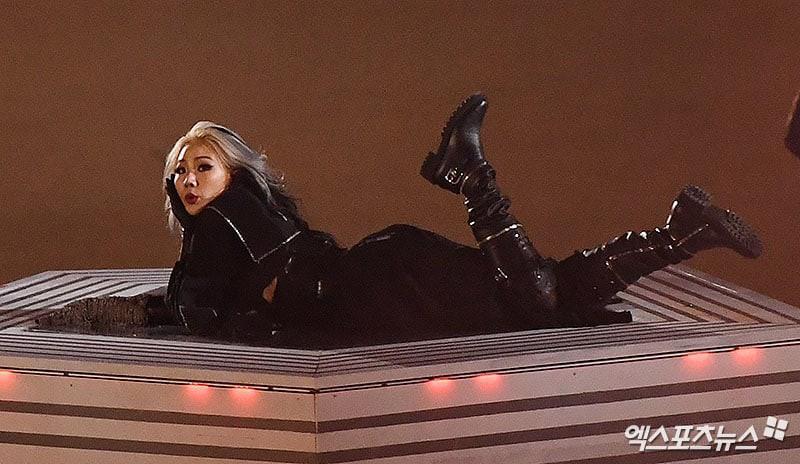 Bế mạc Thế vận hội: EXO bị nghi hát nhép, CL bị chê như mụ phù thủy, netizen gọi tên PSY và BTS-3