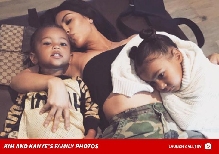 Từ chối hàng triệu đô la bán ảnh, Kim siêu vòng 3 công khai con gái sau khi nhờ người mang thai hộ-2