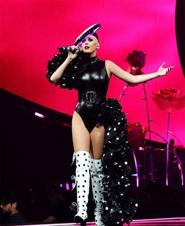 Katy Perry tiếp tục chọn NTK Công Trí thực hiện trang phục cho show diễn mới-1