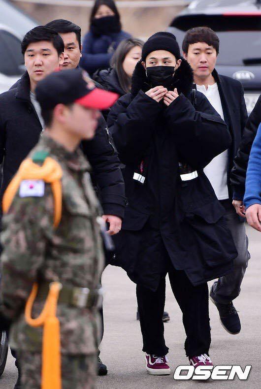 Big Bang G-Dragon cạo trọc, chính thức tạm biệt người hâm mộ đi nhập ngũ-1