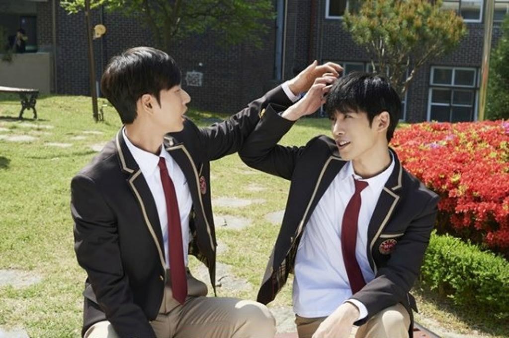 Sao Hàn 27/2: Shock khi ba nữ diễn viên phim người lớn ra mắt trong nhóm nhạc Hàn-5