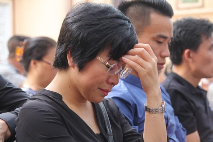 MC Thảo Vân đau buồn về quê chịu tang cha-1