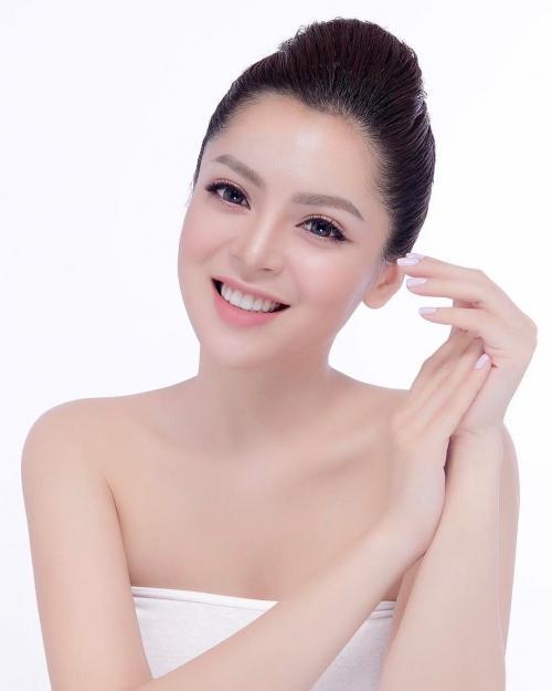 'Bạn gái tin đồn' Soobin Hoàng Sơn chăm chỉ khoe thân hình sexy dù chỉ cao 'ba mét bẻ đôi'-1