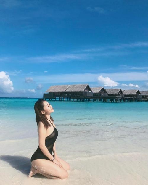 'Bạn gái tin đồn' Soobin Hoàng Sơn chăm chỉ khoe thân hình sexy dù chỉ cao 'ba mét bẻ đôi'-4