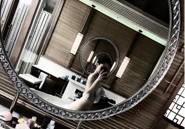 'Bạn gái tin đồn' Soobin Hoàng Sơn chăm chỉ khoe thân hình sexy dù chỉ cao 'ba mét bẻ đôi'-6
