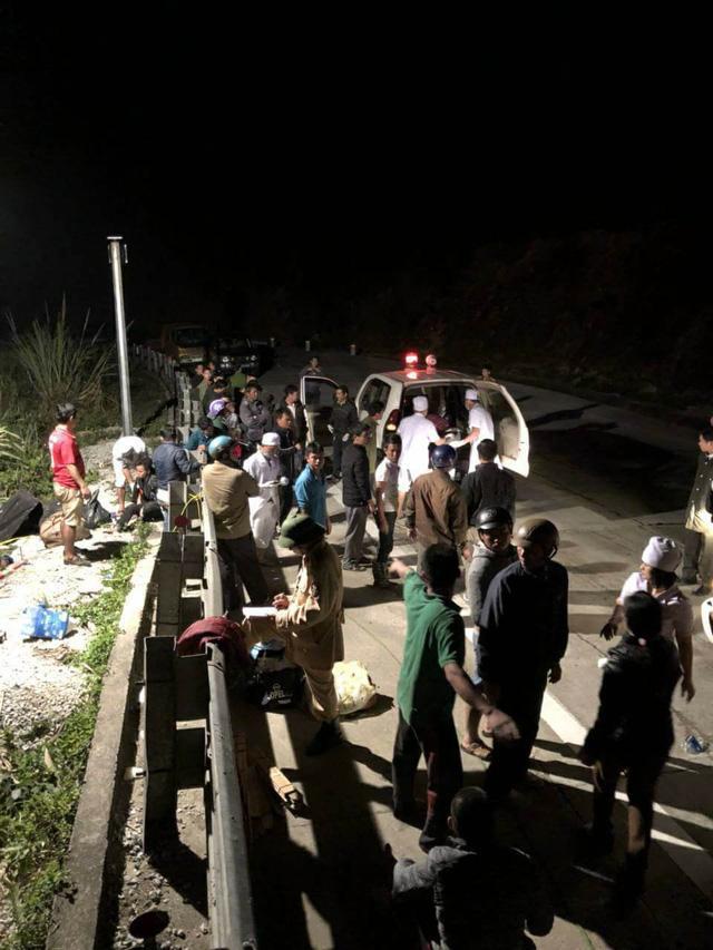 Xe khách lao xuống vực sâu 100m, tài xế tử vong, 19 người bị thương-1
