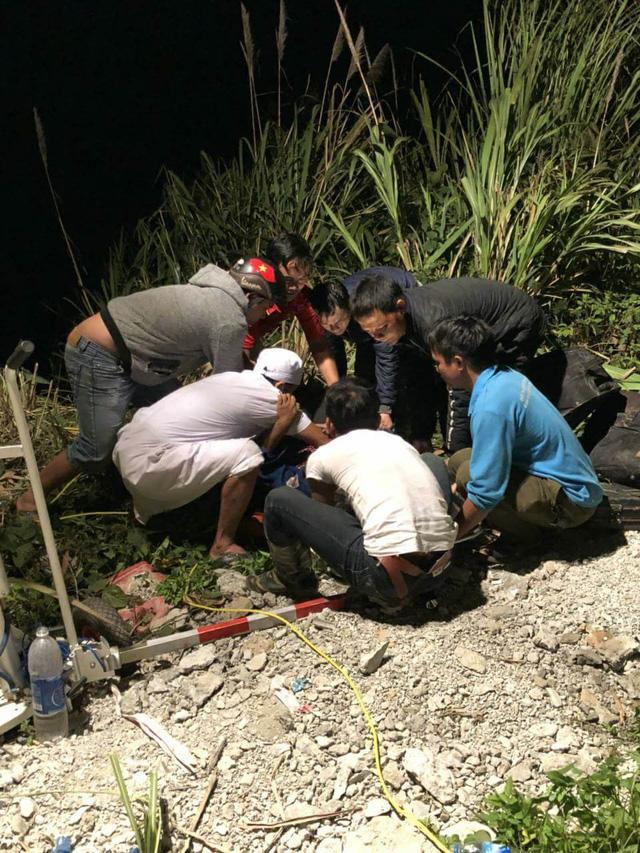 Xe khách lao xuống vực sâu 100m, tài xế tử vong, 19 người bị thương-2