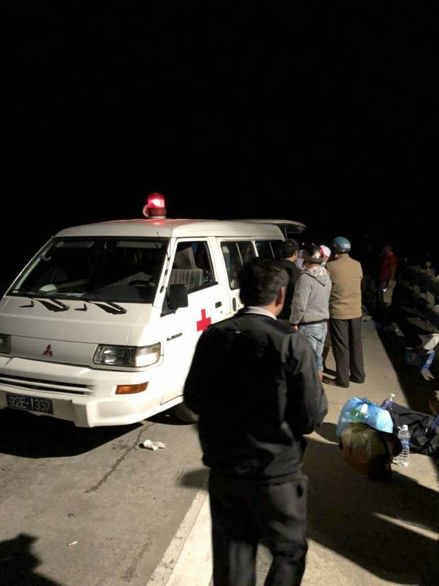 Xe khách lao xuống vực sâu 100m, tài xế tử vong, 19 người bị thương-3