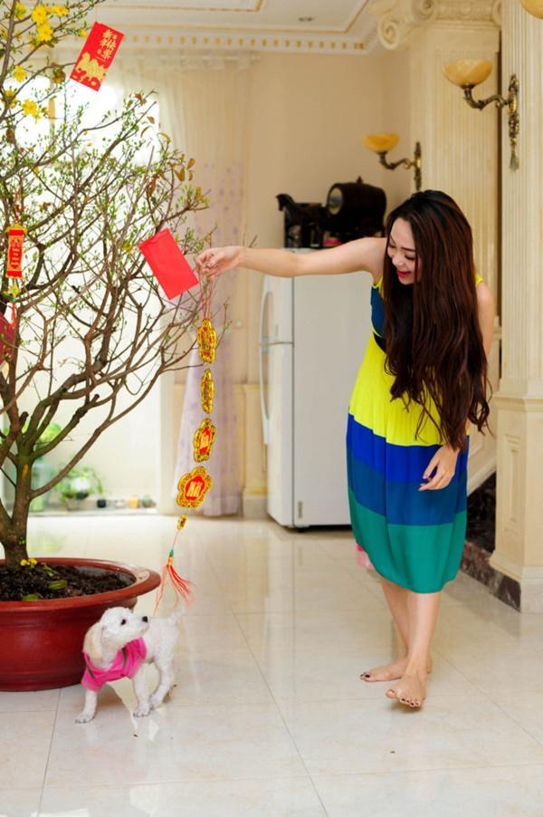 Điểm danh hàng loạt người bạn 4 chân của các mỹ nhân Việt-5