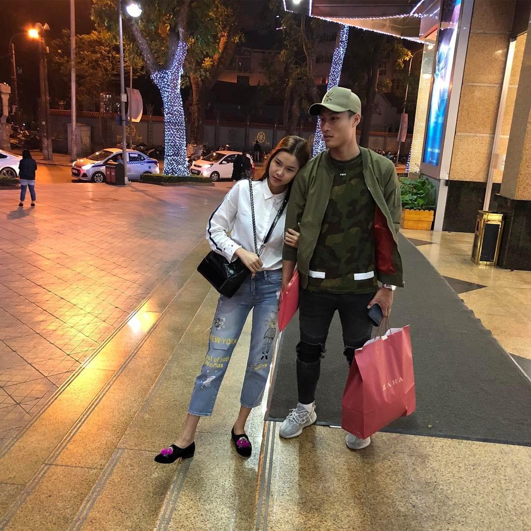 Tin sao Việt:  Trấn Thành than vãn bị bơ vơ giữa đêm tối-6