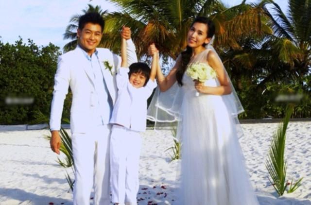 Lâm Chí Dĩnh lần đầu công khai xuất hiện cùng vợ sau 14 năm-8