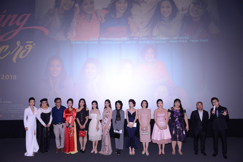 Thanh Hằng và Hoàng Oanh khoe nhan sắc đỉnh cao trên thảm đỏ Tháng năm rực rỡ-12