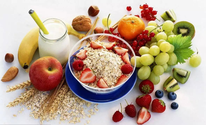 Những việc nên làm khi bạn lỡ ăn quá nhiều đồ ngọt để tránh khó chịu và hại sức khỏe-1