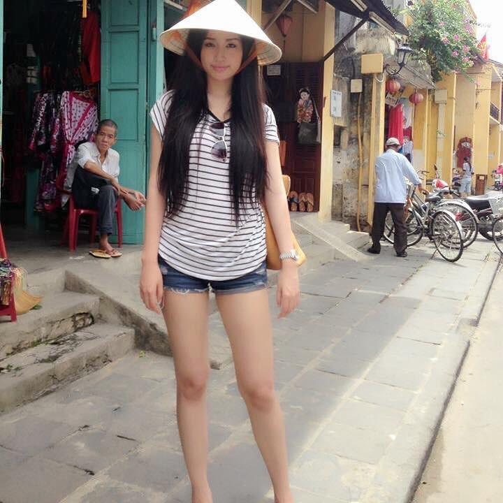 Tin sao Việt: Angela Phương Trinh gây tranh cãi khi tung clip dạy chị em cách luyện dáng-6