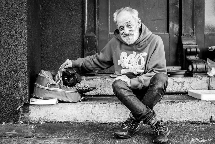 Trò chuyện cùng người vô gia cư 4 năm, nhiếp ảnh gia người Pháp đã rút ra nhiều bài học thấm thía-1