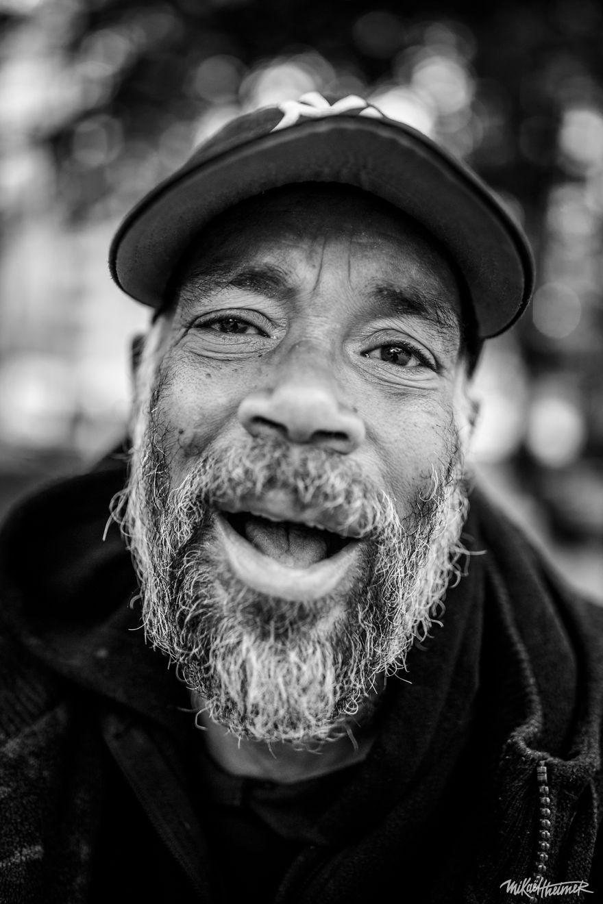 Trò chuyện cùng người vô gia cư 4 năm, nhiếp ảnh gia người Pháp đã rút ra nhiều bài học thấm thía-2