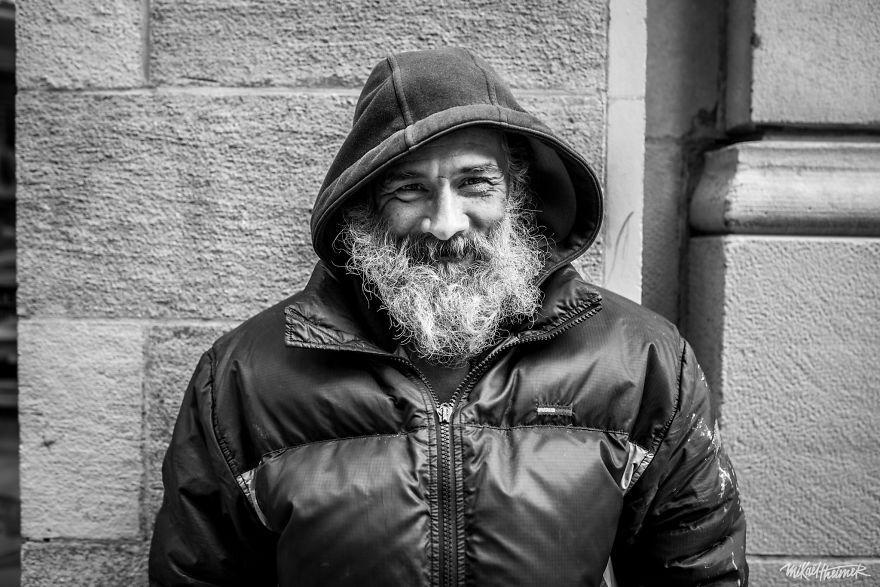 Trò chuyện cùng người vô gia cư 4 năm, nhiếp ảnh gia người Pháp đã rút ra nhiều bài học thấm thía-5