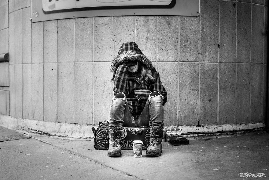 Trò chuyện cùng người vô gia cư 4 năm, nhiếp ảnh gia người Pháp đã rút ra nhiều bài học thấm thía-7