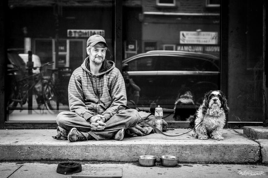 Trò chuyện cùng người vô gia cư 4 năm, nhiếp ảnh gia người Pháp đã rút ra nhiều bài học thấm thía-12