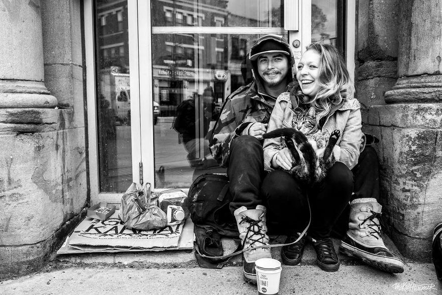 Trò chuyện cùng người vô gia cư 4 năm, nhiếp ảnh gia người Pháp đã rút ra nhiều bài học thấm thía-13