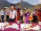 Họ hàng nhà trai 'choáng' khi bị nhà gái thách uống 100 chén rượu mới được rước dâu