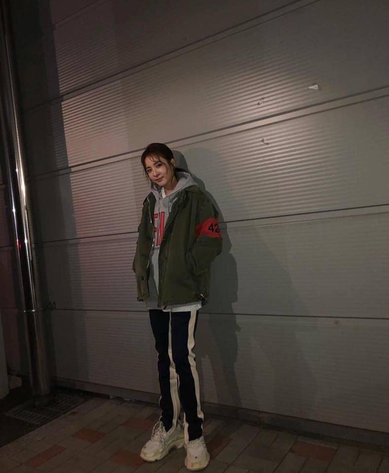 Irene - Tiffany diện street style chất ngất xứng danh biểu tượng thời trang xứ Hàn-1
