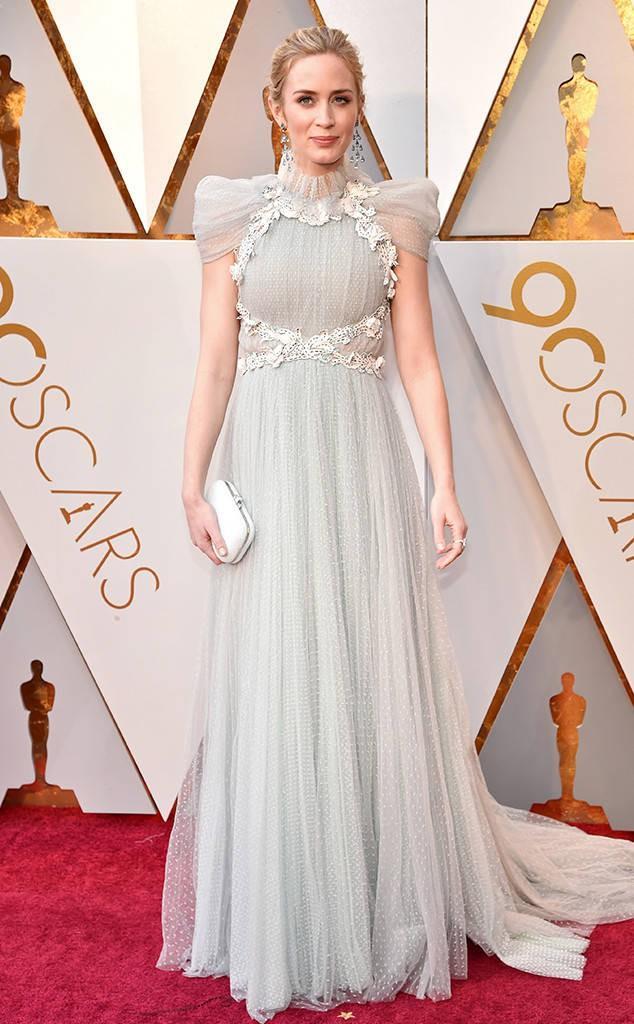 Thảm đỏ Oscar 2018: Nicole Kidman thon thả quyến rũ không kém cạnh đàn em dù đã hơn 50 tuổi-8