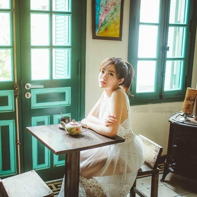 Hot girl - hot boy Việt: BB Trần tung bộ ảnh Phía sau một cô gái chất hơn nước cất-6