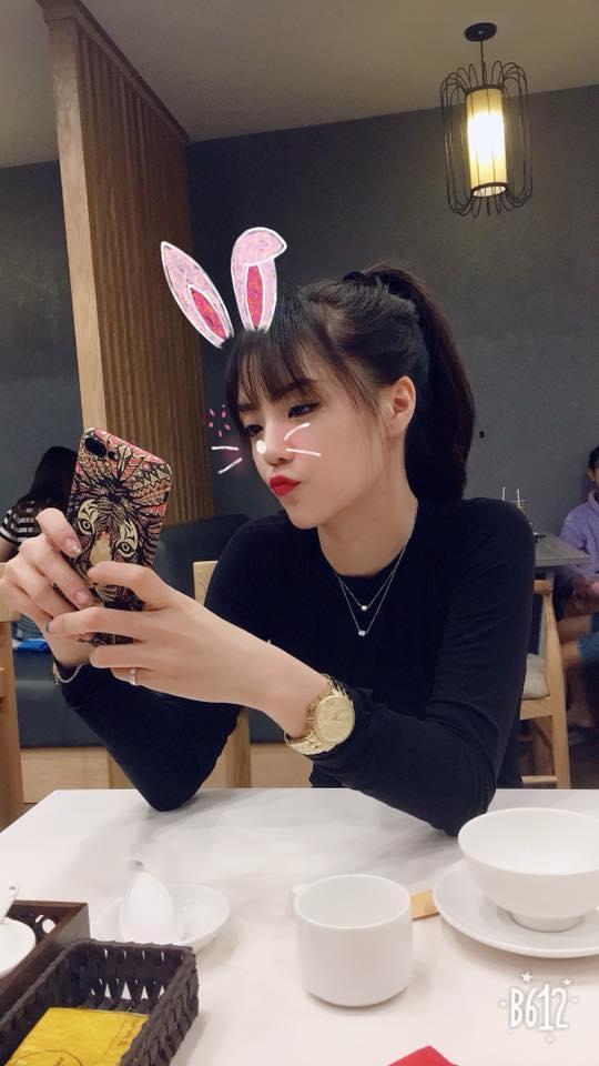 Hot girl - hot boy Việt: BB Trần tung bộ ảnh Phía sau một cô gái chất hơn nước cất-9
