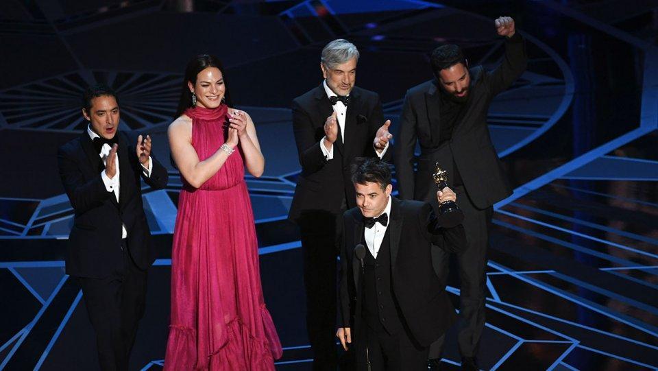 Bị tố đạo nhái kịch bản, The Shape Of Water vẫn lên ngôi tại Oscar 2018-11