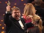 Nữ diễn viên chính xuất sắc Oscar 2018 khóc nức nở vì bị mất tượng vàng vừa nhận-2