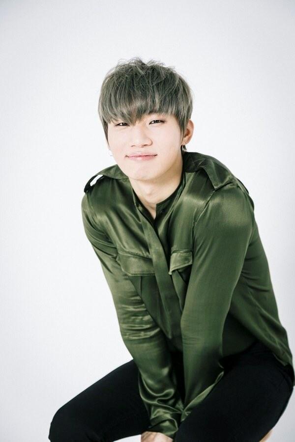 Sao Hàn 5/3: Lee Dong Gun đối đầu Bi Rain ngày trở lại-4