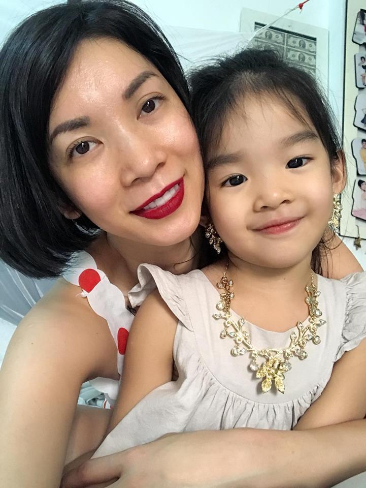 Tin sao Việt: Hoàng Thùy tuyên bố thích mặc ren đỏ sau một câu chuyện chia tay ồn ào trên mạng-10